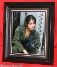 "MICHELLE RODRIGUEZ SIGNED  ""AVATAR""  FRAMED NOT COPY OR PRINTED SIGNATURE"
